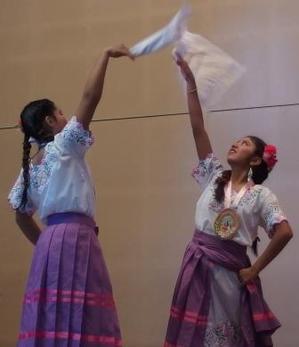ペルーの踊り.JPG