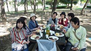 H30バーベキュー食事風景 (640x360).jpgのサムネール画像